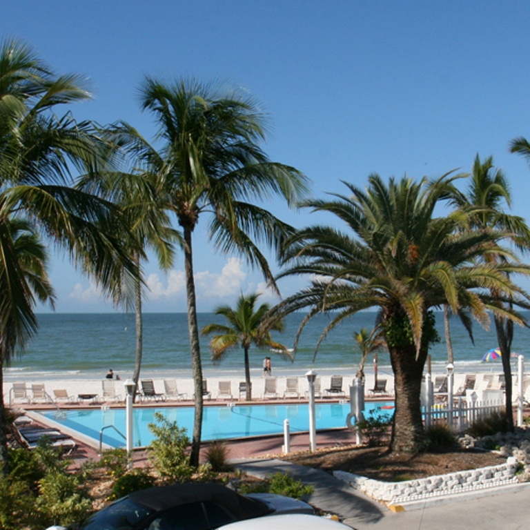 fort myers beach hotel